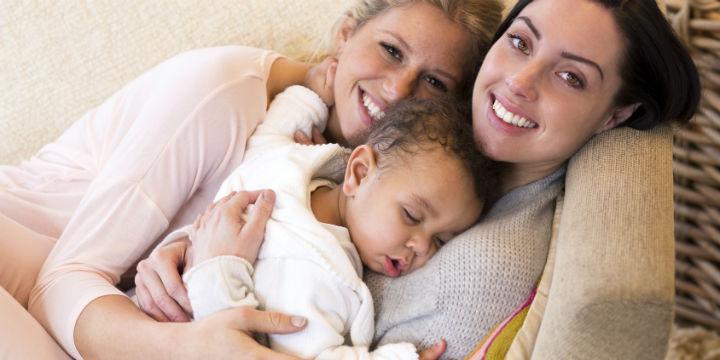 Regenbogenfamilie weiblich